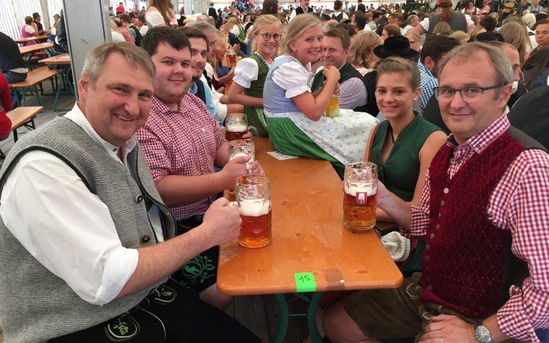 Feucht fröhlicher Volksfest Auftakt 2019